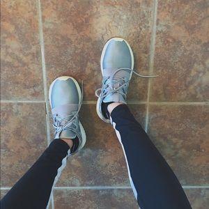 [Adidas] Tubular Viral Shoes